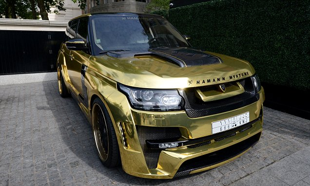 9_Gold_Range_Rover_A_London
