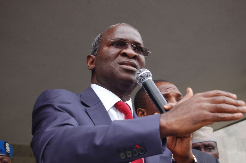 Top 10 photos of Babatunde Fashola at his happiest public moments – These pics will leave you in stitches!