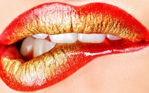 bite-your-lips-female-gold-kiss-lips-lipstick-mouth-red-teeth-1080x1920-795x447