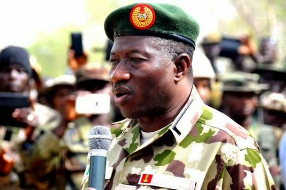 President Jonathan wears military uniform, goes to Baga to fight theinfong.com