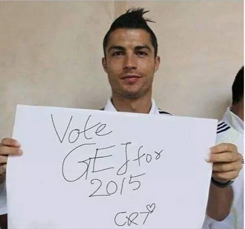 Was Cristiano Ronaldo paid to do this for president Jonathan? (See Photo) theinfong.com