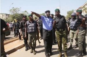 drama-as-man-beats-up-police-inspector