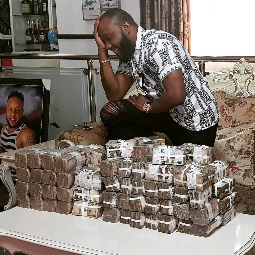Fans blast Kcee for showing off millions of naira on Instagram