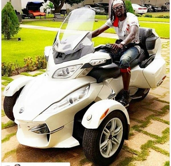 Emmanuel Adebayor cars