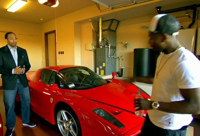 Floyd Mayweather flaunts four exotic cars worth $15 million, $18million Wrist Watch, private jet & his mansions