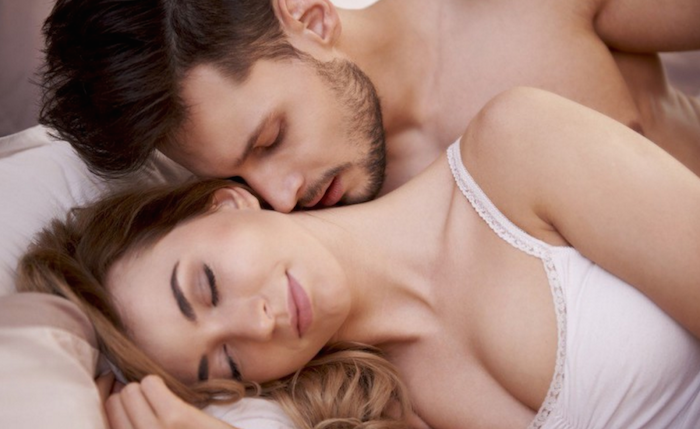 11 hot spots to kiss any woman and drive her wild..-love-relationship-man-woman-sex