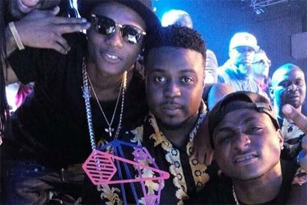 Davido-and-Wizkid-at-MAMA