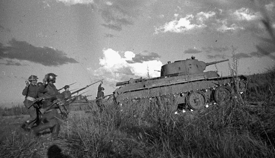 Soviet-troops-fought-the-Japanese-during-the-Battle-of-Khalkhin-Gol-in-Mongolia-1939.