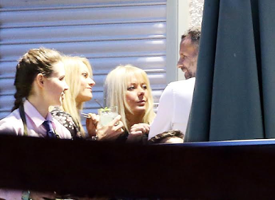 Ryan Giggs laughs and jokes with women at his restaurant amid marriage problems (photos) theinfong.com