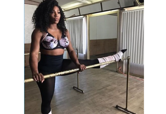 serena-williams-shows-off-her-flexibility-theinfong-com-700x482