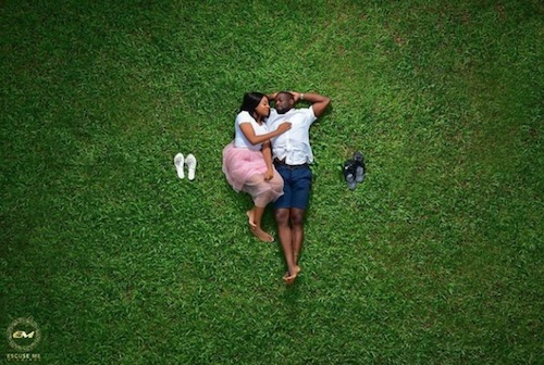 pre-wedding photo on grass