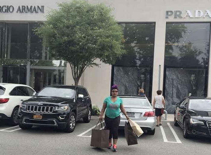Actress Laide Bakare goes shopping in the US (See Photos) theinfong.com - 700x416