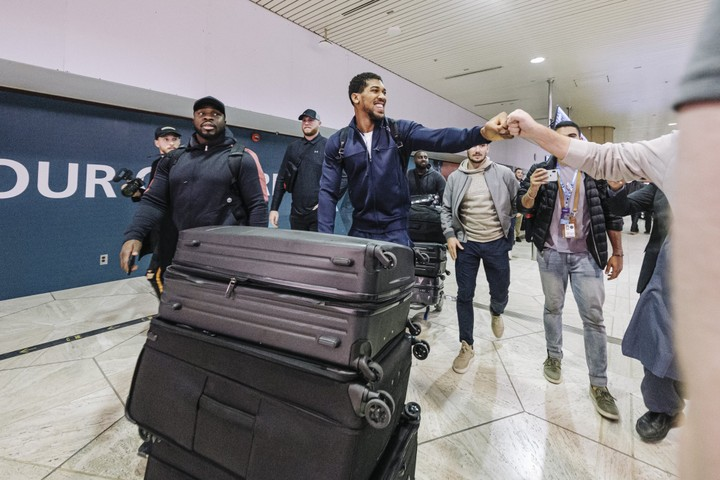 Anthony Joshua arrives Saudi Arabia ahead of rematch against Andy Ruiz Jr
