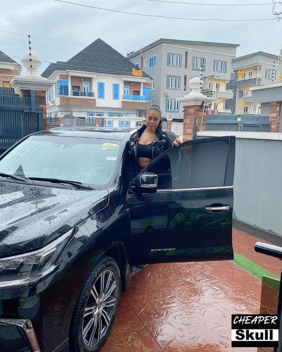 Actress Mimi Orjiekwe SUV