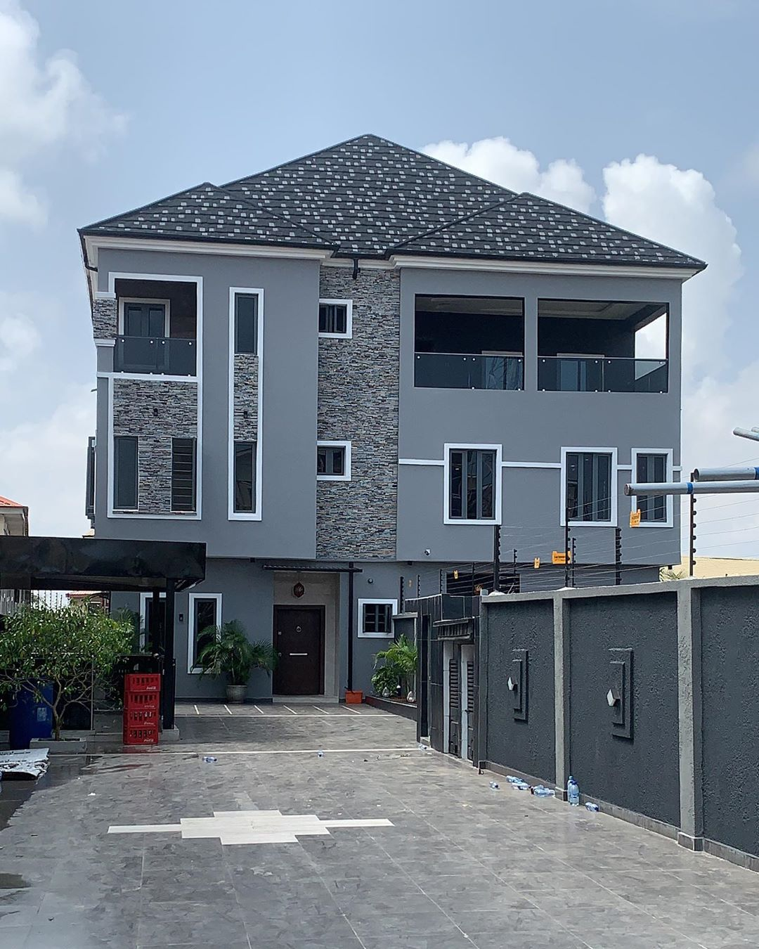 azeez makinde's mansion
