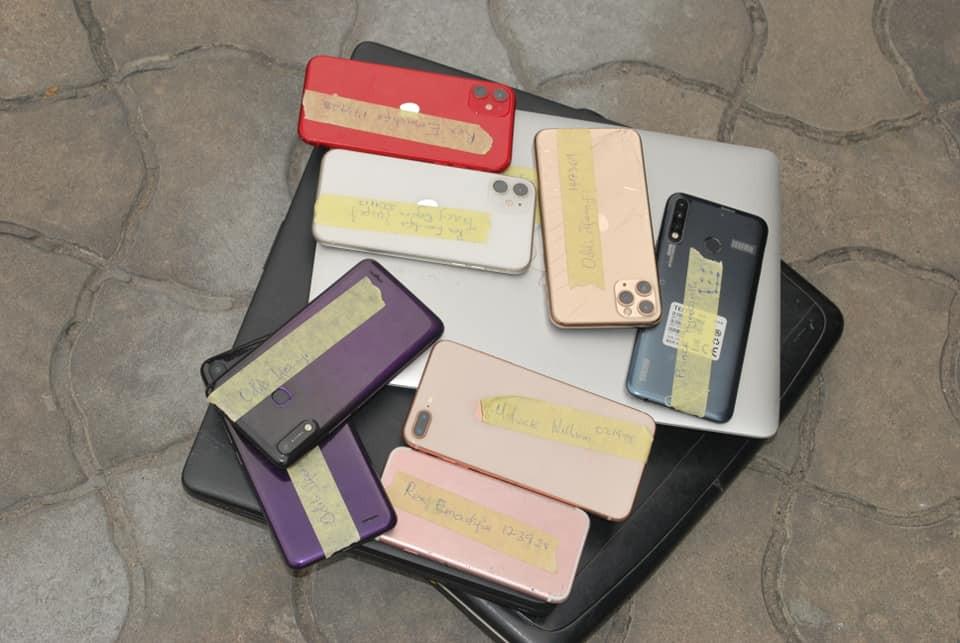 ph-yahoo-phones