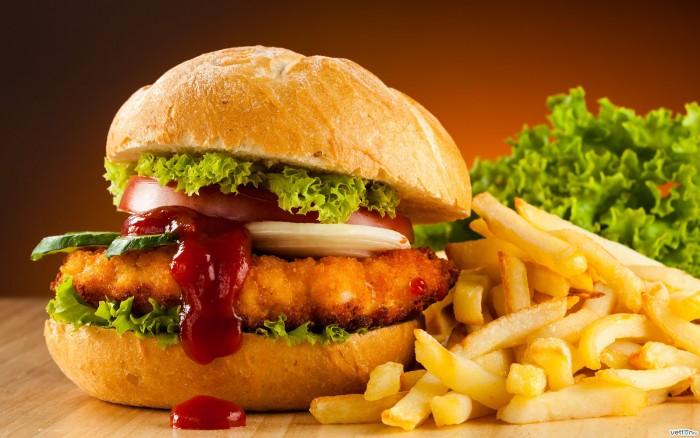 fast-food-hamburger-burger-fries-700x438