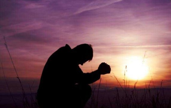 Most dangerous Christian prayers - MAN-PRAYING-THEINFONG.COM