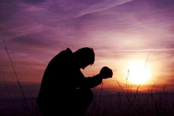 Most dangerous Christian prayers - MAN-PRAYING-THEINFONG.COM
