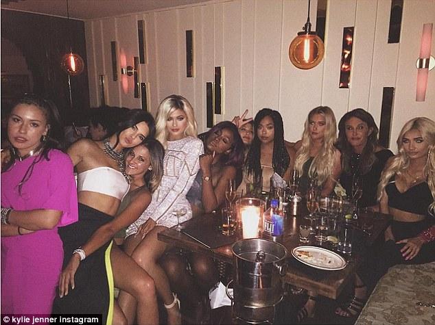 Kardashians vs Jenners - theinfong.com