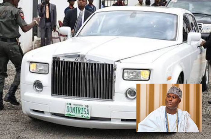 Features of the Ooni of Ife's Rolls Royce