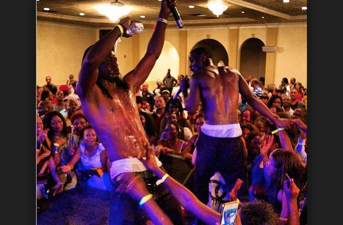 10 awkward photos of P Square with female fans that shook the internet & will make you shiver theinfong.com 700x461