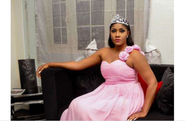 Fan insulted Angela Okorie for wearing boob baring outfit