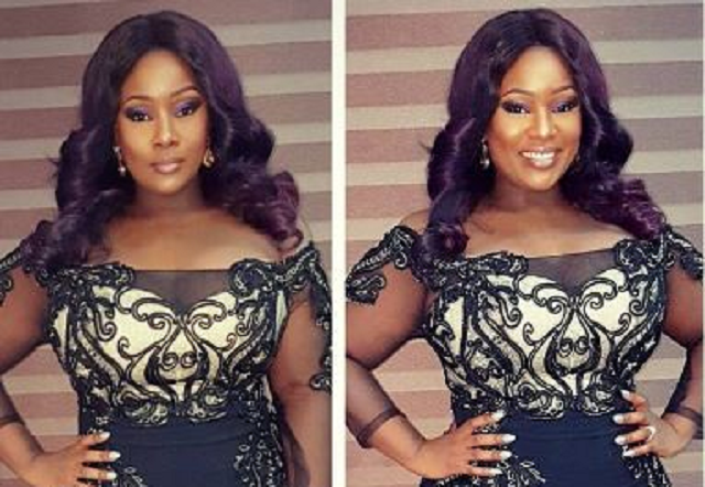 toolz-puts-her-voluptuous-bod-in-display