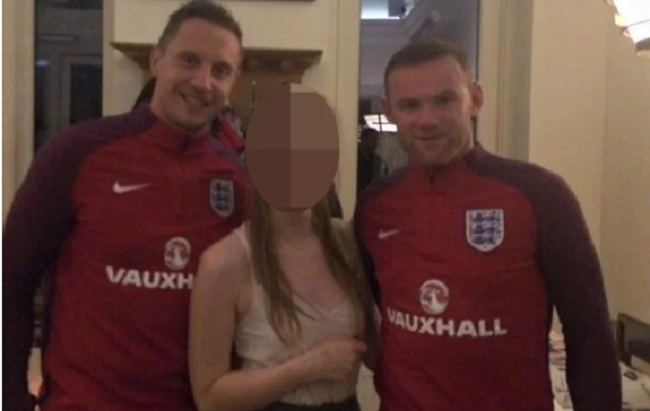 wayne-rooney-gets-drunk-and-crashes-a-private-wedding