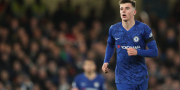LONDON, ENGLAND - NOVEMBER 30: Mason Mount of Chelsea during the Premier League match between Chelsea FC and West Ham United at Stamford Bridge on November 30, 2019 in London, United Kingdom. (Photo by James Williamson - AMA/Getty Images)