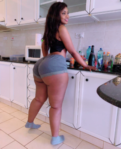 Heavily Endowed Tanzanian model disturbs the internet with her assets (Photos)2