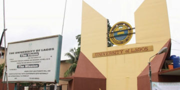 Student allegedly turns into a mermaid inside Unilag's female hostel (video)