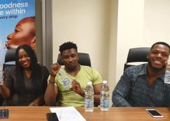 Frodd and Sir Dee signs endorsement deal with Gossy Bottle water