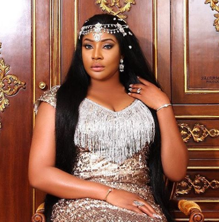 Nollywood Actress, Angela Okorie twerks hard to Davido's Risky (Video)
