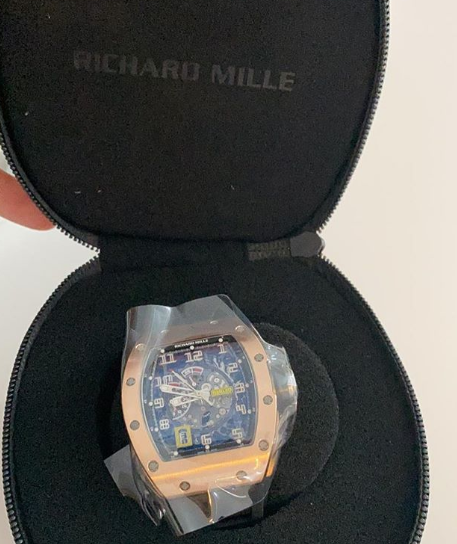 It hurt my account balance but I had to do it - Davido says as he buys N55million wristwatch (Photos)