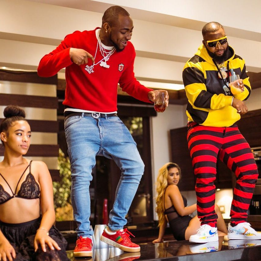lady twerks to davido song
