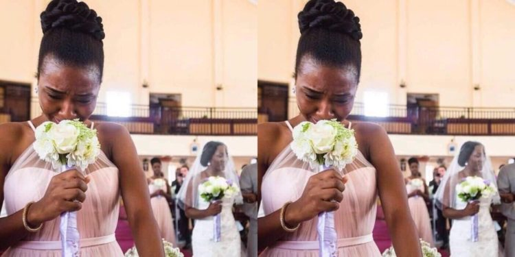 Heartbroken lady cries bitterly after her boyfriend of 2years+ breaks up with her to marry someone else (Video)