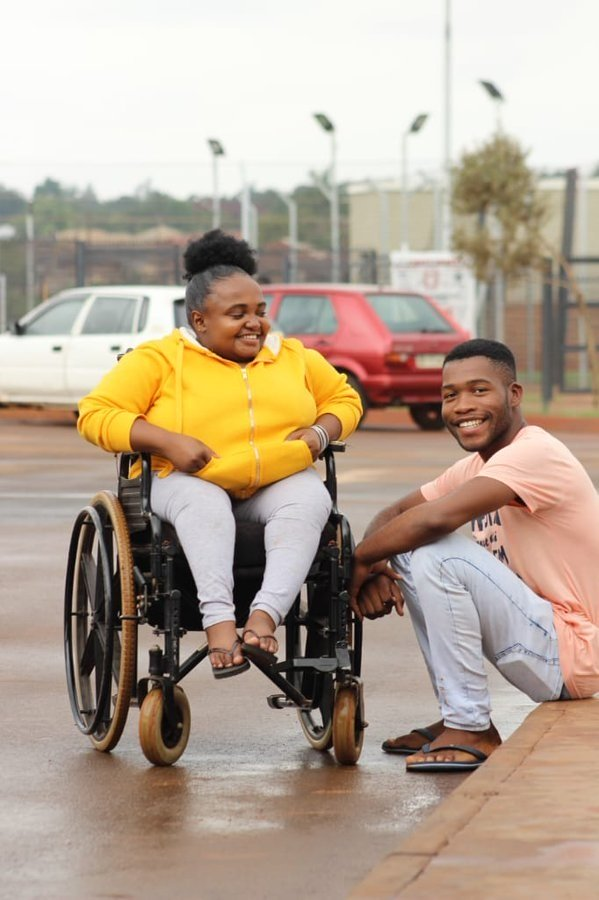 Man marries his disabled girlfriend after 4 years of dating (video)