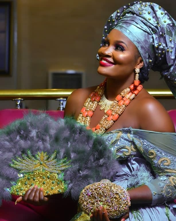 More beautiful pictures and Video as Actress Chizzy Alichi traditionally weds her husband-to-be in Enugu