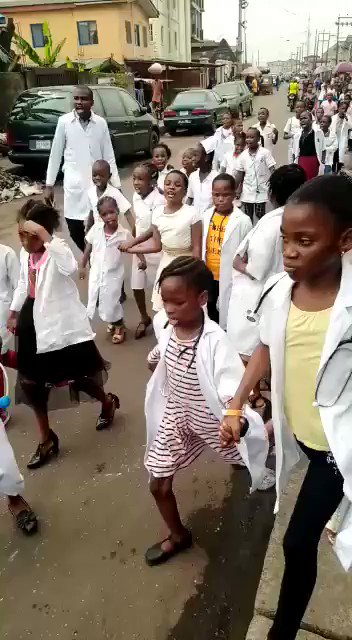 """Coronavirus go back to China"" - School pupils recorded chorusing statement on the streets (Video)"
