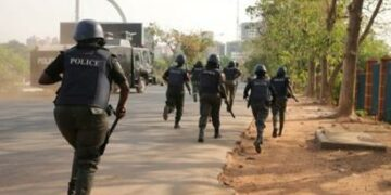 Policeman reportedly runs mad, shoots colleagues dead in Lagos