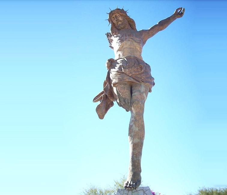 The-Broken-Christ-Statue-Mexico