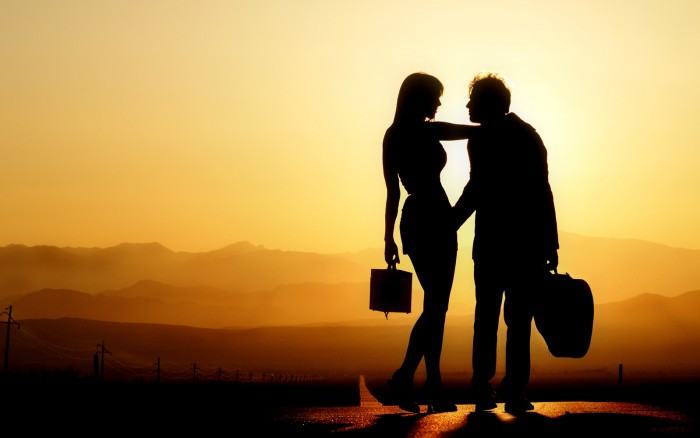 Romance-Silhouette-Couple-700x438
