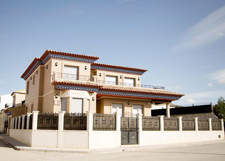 Andres-Iniesta-house