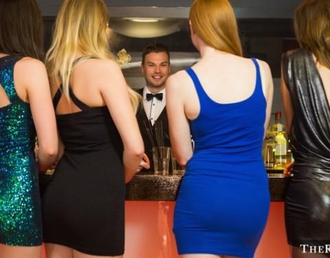 shutterstock_Bartender-2
