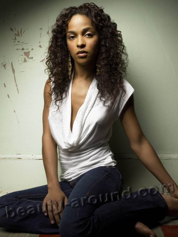 THE 4400 -- USA Networks Original Series -- Pictured: Megalyn Echikunwoke as Isabelle Tyler -- USA Network Photo: Justin Stephens -- FOR EDITORIAL USE ONLY -- DO NOT RE-SELL/DO NOT ARCHIVE