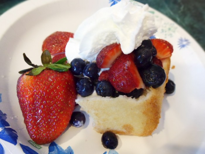 Tropical-Fruit-Sauce-over-Angel-Food-Cake-The-Trent-700x525
