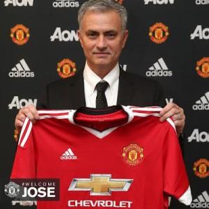 mourinho signs